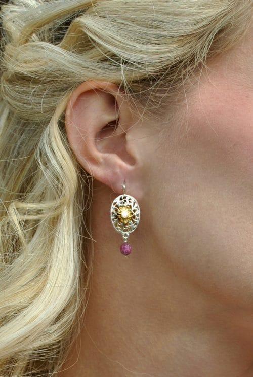 Trachtenschmuck Ohrringe in Silber mit einem Turmalin als Pendel