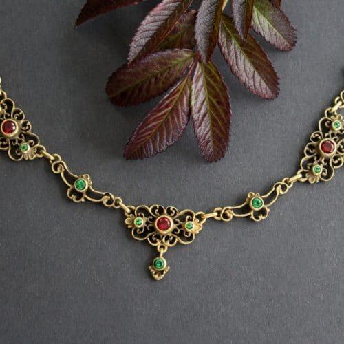 Trachten Vollcollier Viktoria in Altsilber vergoldet, Alpinite und synthetische Rubine zieren den Trachtenschmuck