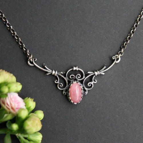Trachtenkette für Damen: Silberkette Berta mit rosafarbenen Schmuckstein