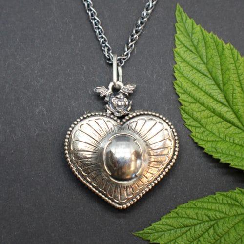 Trachtenschmuck Herz Kette in Silber, Herz Medaillon Anhänger an Silberkette