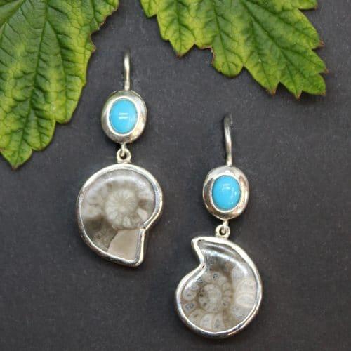 Sommerliche Ohrringe in Silber mit Ammonit und Türkis