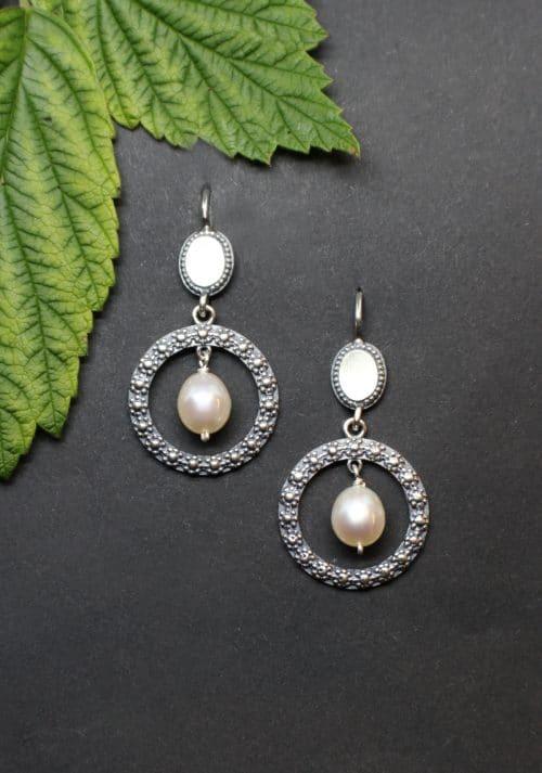 Runde Trachtenschmuck Ohrringe Modern in Silber und mit Perlentropfen