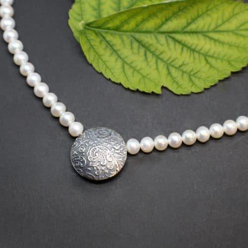 Trachtenschmuck Perlenkette mit silberner Schließe