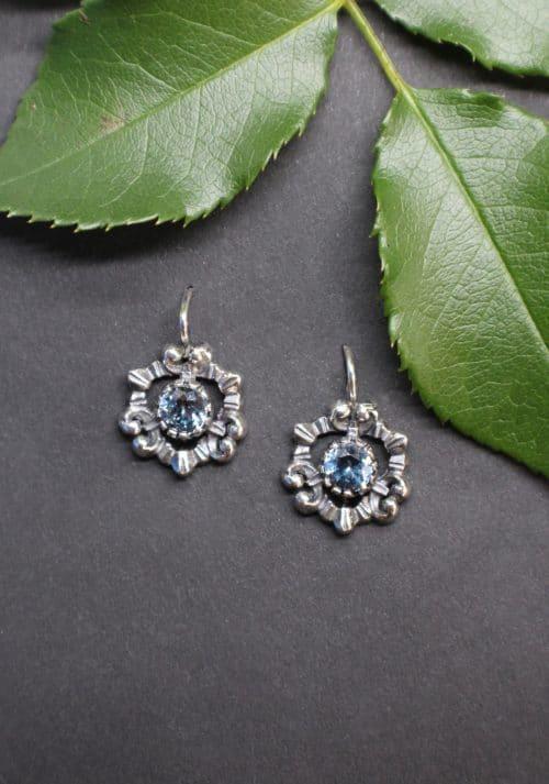 Trachtenschmuck Ohrringe für Damen in Hellblau (synthetischer blauer Spinell)